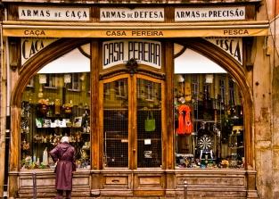 Arms dealer - Porto, Portugal